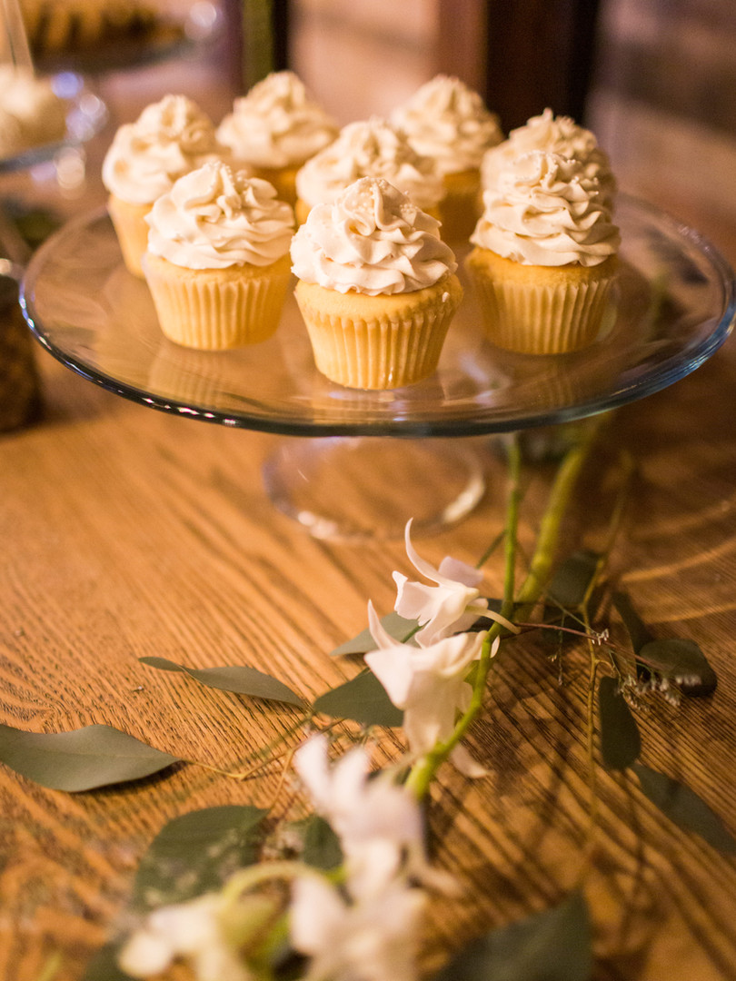 Wedding Cupcakes in Very Vanilla