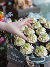 Custom Wedding Cupcakes!