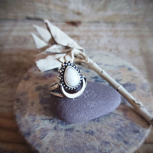 Moon - anel - Pedra da Lua