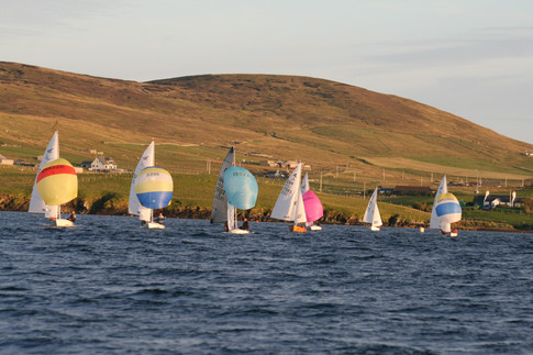Dinghies running from Bresssay