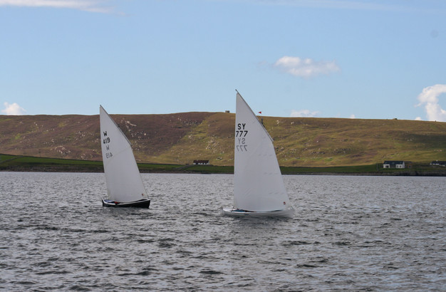 Dipping Lug racer Vielmar leading Kon-Ti