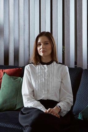 портрет для сайта.jpg