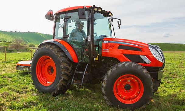 52 tracteur Kioti PX tractor.jpg