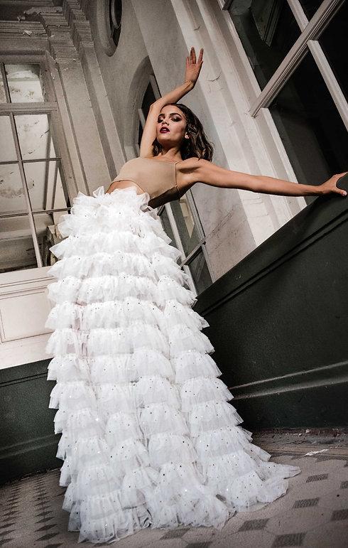 Modernes Brautkleid. Hochzeitskleid. Tüllrock Brautkleid