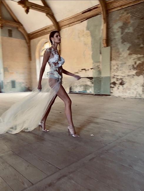 Brautkleid. Braut Body. Bridal Couture.Modernes Brautkleid. Hochzeitskleid Maßanfertigung.