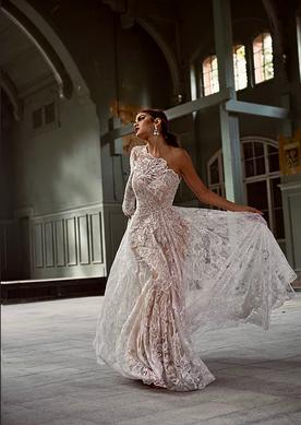 Kleid: Design & Anfertigung Shooting: Konzept Produktion & Retouch