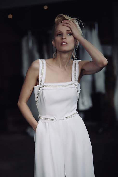 Brautkleid. Braut Jumpsuit. Hochzeit Jumpsuit.. Bridal Couture.Modernes Brautkleid. Hochzeitskleid Maßanfertigung.