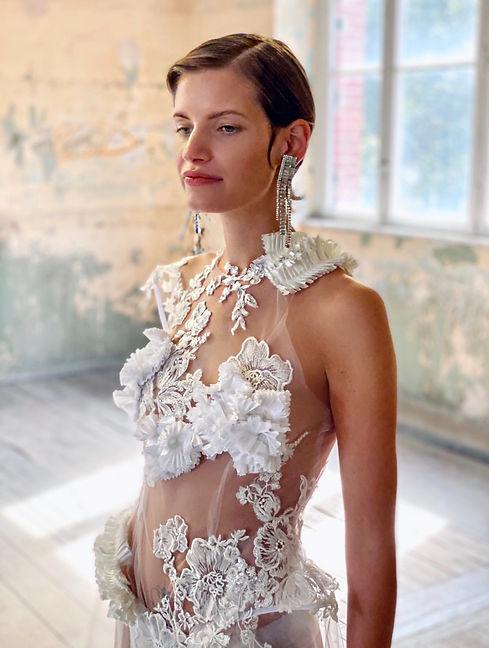 Modernes Brautkleid. Hochzeitskleid Maßanfertigung
