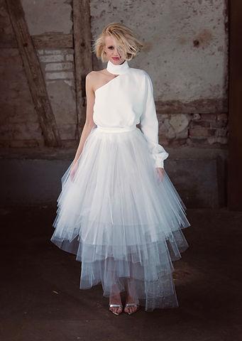 Modernes Brautkleid. Standesamt Kleid. Tüllrock Hochzeitskleid.