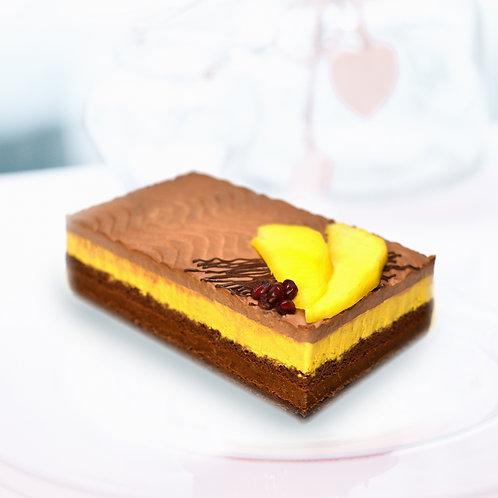 Étcsokoládés mangó torta