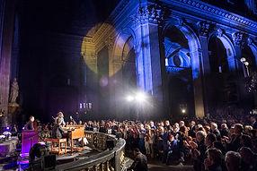Opérations de relations publiques pendant le Festival Jazz à Saint-Germain-des-Prés Paris