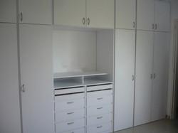 Medium Closet White