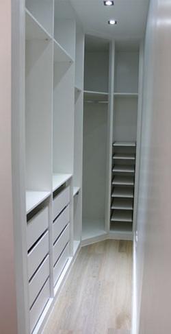 Small Walking Closet White