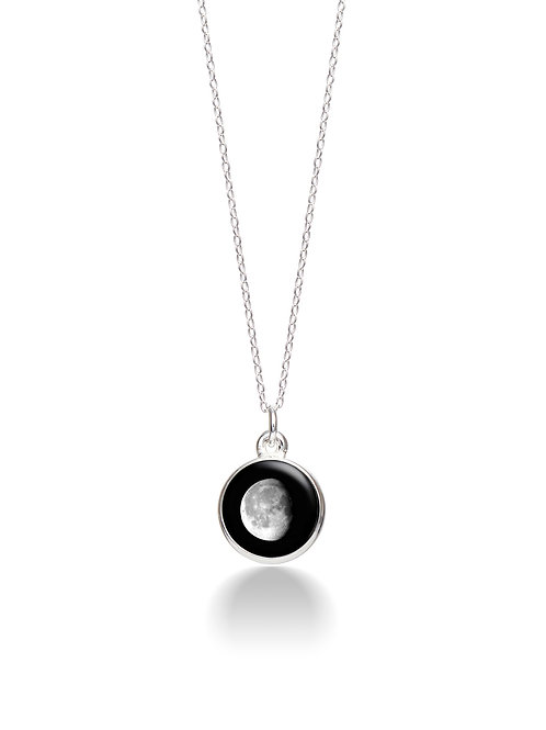 Charmed Simplicity Necklace 6D - Waning Gibbous