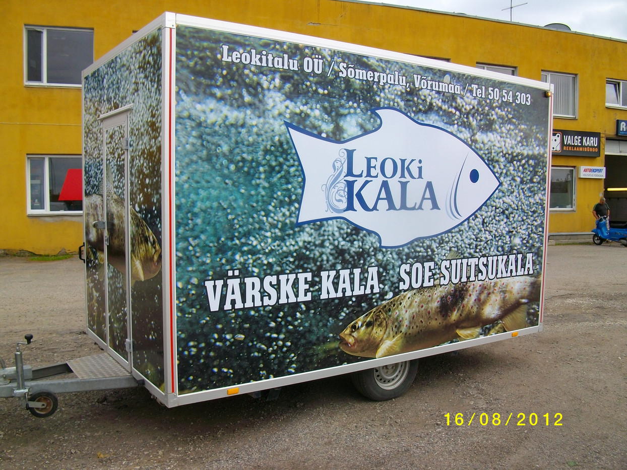 Leoki Kala haagise reklaamkleebised