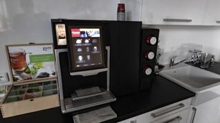 Antimikrobiální měděná fólie K Copper Plus na dotykovém displeji kávovaru