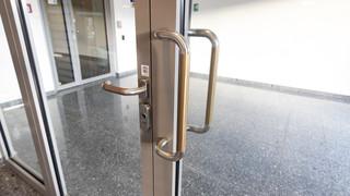 Antimikrobiální měděná fólie K Copper Plus - klika od vstupních dveří