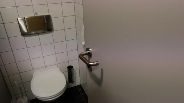 Antimikrobiální měděná fólie K Copper Plus - klika a geberitna toaletě