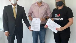 OAB-PB entrega a deputado PL que cria disciplina de prerrogativas nos cursos de formação