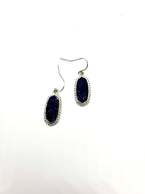 The Oval Princess - in a delicate Silver Finish with a Cobalt Blue Drusy Center