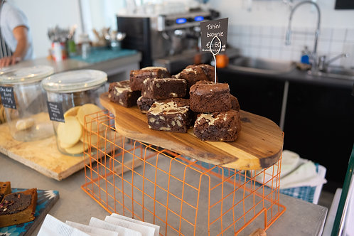 Tahini brownies - 16 pieces