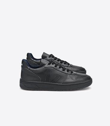 VEJA - V10 black black sole