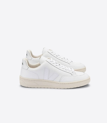 VEJA - V12 Leather extra white