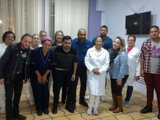 Nariz Solidário realiza oficina de humanização para funcionários do hospital Cajuru.