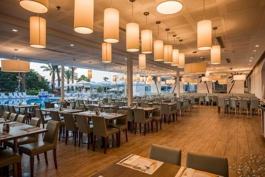 suites-dining-8.jpg