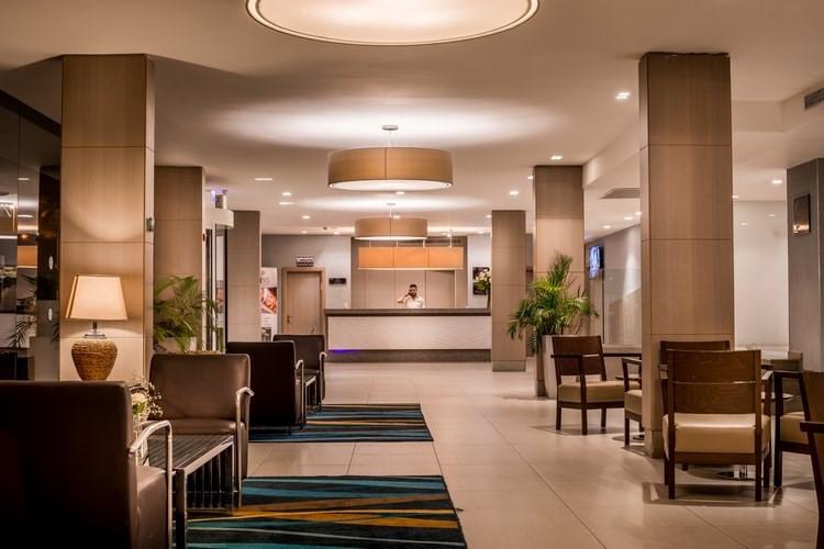 suites-lobby-2.jpg