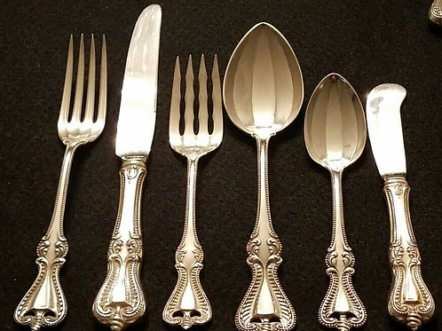 TOWLE OLD COLONIAL STERLING SILVER FLATWARE SET FOR SIX WITH SERVING PIECES