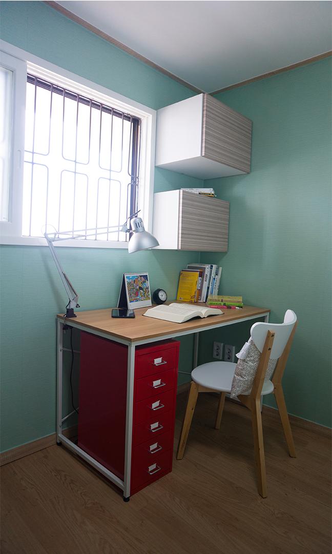 44 D룸 책상