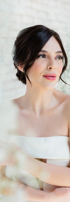 Smooth and Chic Elegant Bride