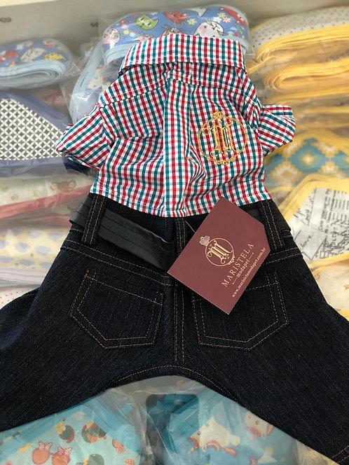 Macacão Jeans com Camisa Xadrez