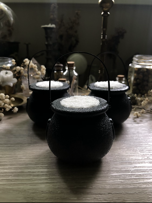 Cauldron (pearl) bath bomb