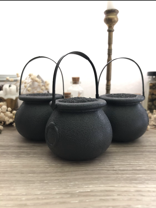 Cauldron (obsidian) bath bomb
