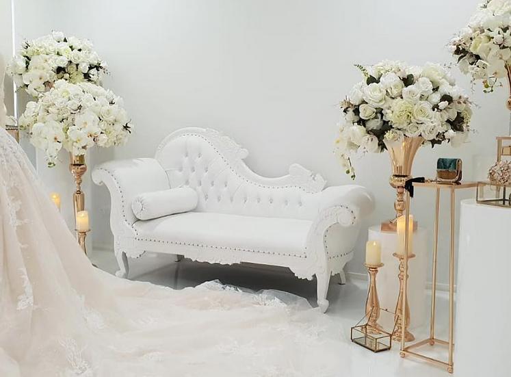 Queen White Chaise