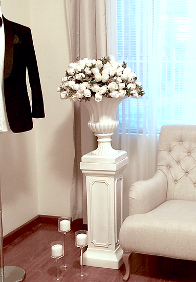 Classic Urns with Pedestal