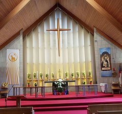 St Lukes Church altar.jpg