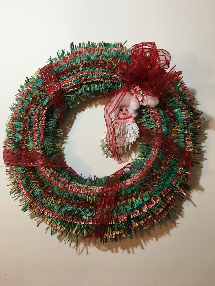 Hand crafted wreath made from fringed paper_1