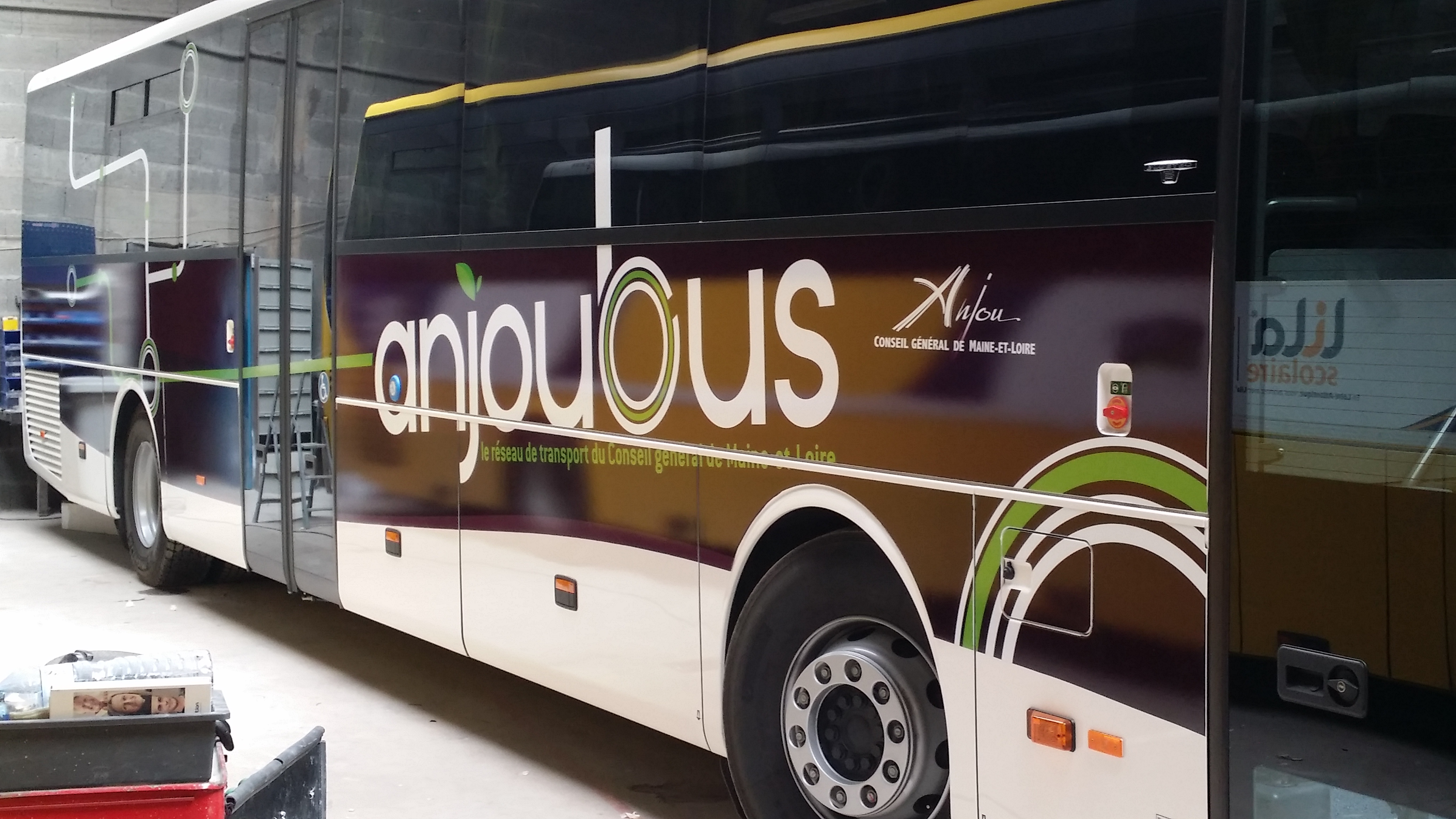 Covering AnjouBus Mercedes Intouro