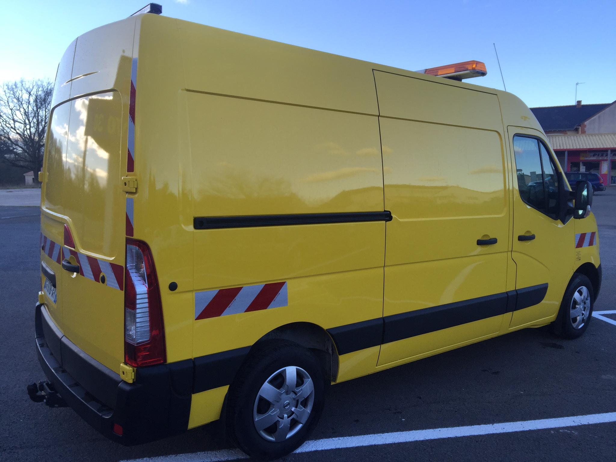 NISSAN NV 400 - S.N.A.T. Mobilité