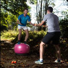 In vielen Sportarten sind hohe koordinative Fähigkeiten der Schlüssel zum Erfolg. Praktisch nie sind zwei Bewegungen identisch - trainieren Sie auch so.