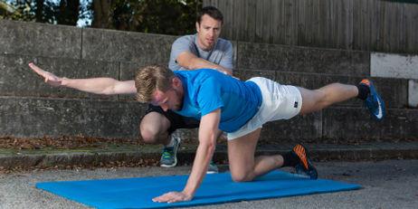 Mit individuellen, perfekt auf Ihr Niveau abgestimmten Übungen verbessern Sie mit MOVEZ Personal Training Ihren Fitnesszustand.
