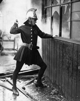 Vintage+Female+Firefighters+(8).jpg