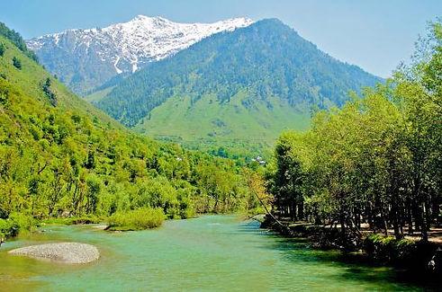 betaab valley.jpg