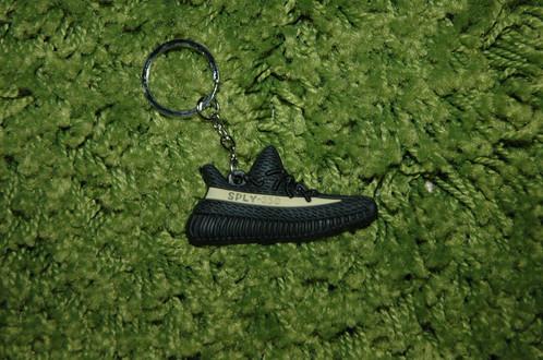 7c897a98bc7 ... usa adidas yeezy boost 350 v2 green key chain 16684 98ae4