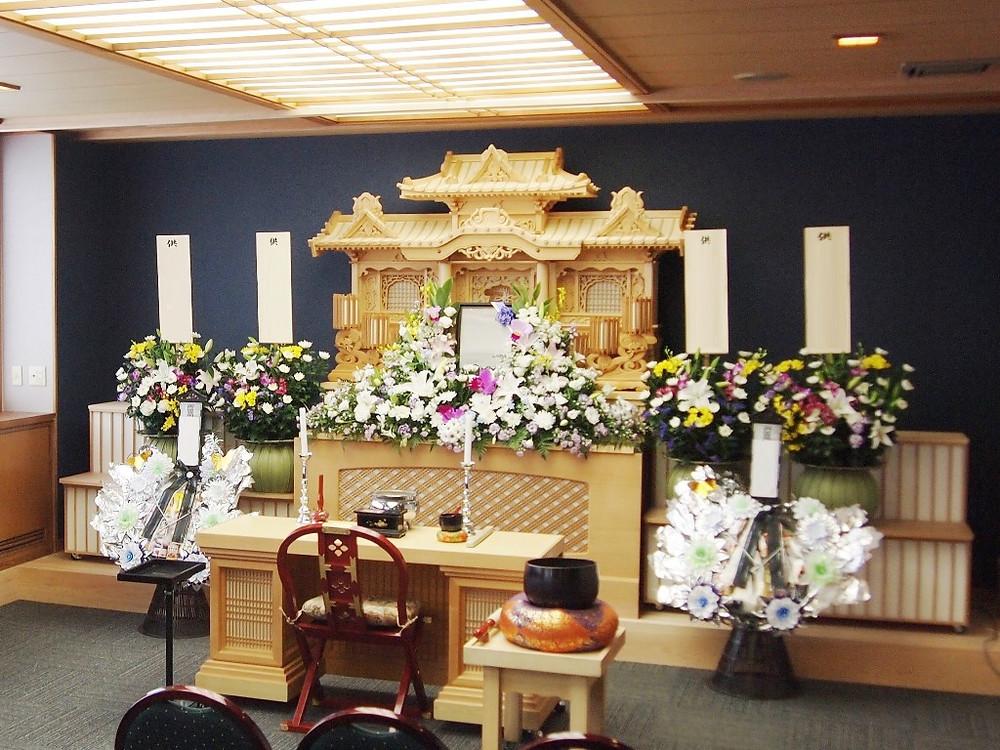 家族葬ホール生花祭壇5万円