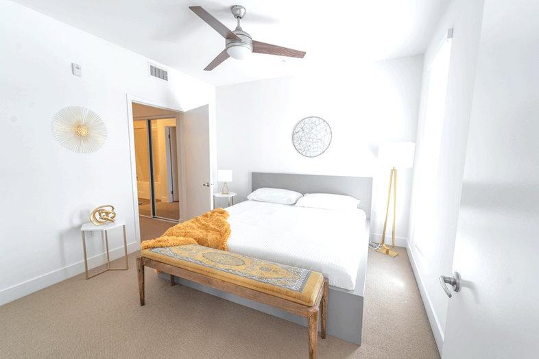 Single Room Capstay