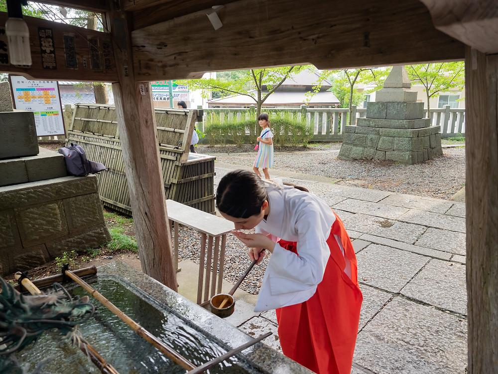 玉前神社 境内の手水舎。